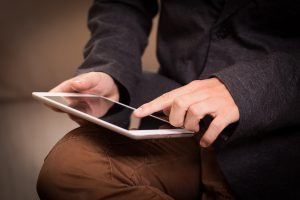 tablet 1075790 1920 300x200 - tablet-1075790_1920